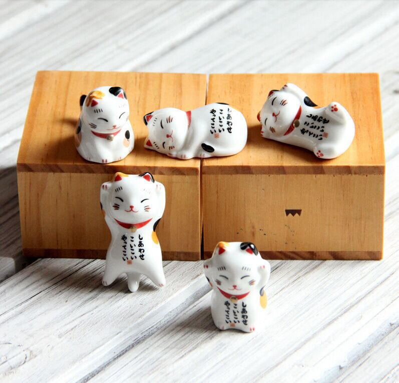 New Cute Chinese Lucky Cat Ceramic Maneki Neko Fortune Cats Money Drawing Mascot Novelty Business Gifts Fengshui Cat(China (Mainland))
