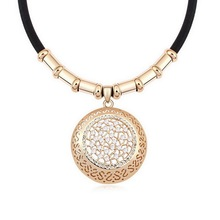 1Pcs New Leather Strap Pendant Necklace Crystal Diamond Fashion Western Jewelry Accessories Rhinestone Necklace for Women Girls(China (Mainland))