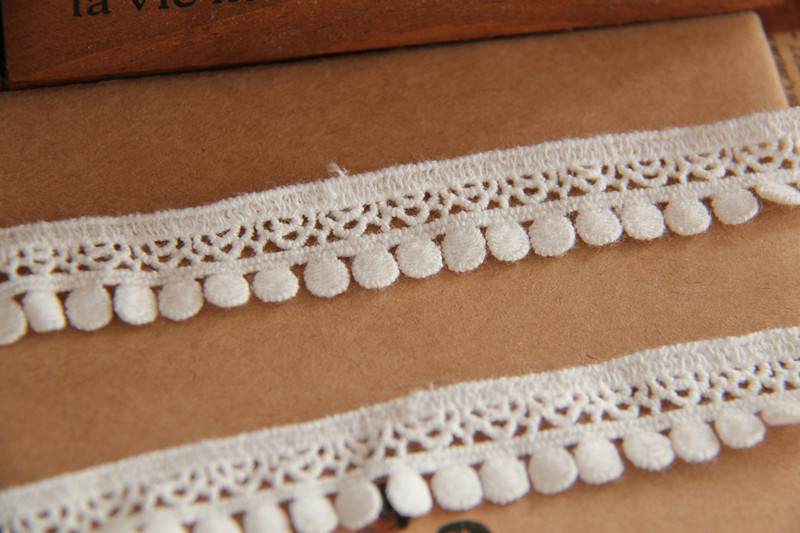 Vintage Crochet Lace trim with Pom Poms cotton lace fabric trimming for costume design sewing accessories 10 yards/Lot(China (Mainland))