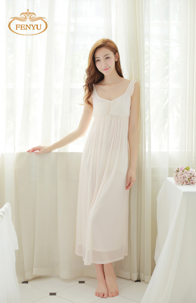 Love this nightgown, can't believe the price, the quality. It was a pleasant surprise. When I saw the price I was afraid to order thinking I would not get quality merchandise, but I was pleasantly surprised/5(27).