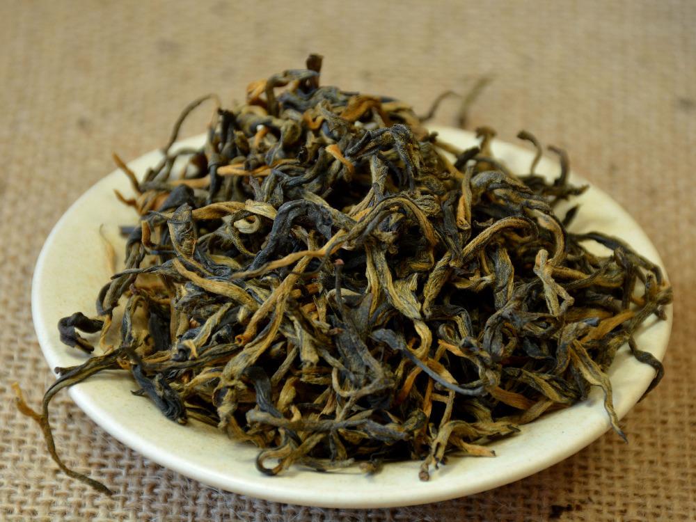 Гаджет  500 grams Yunnan Dian Hong big leaves black tea, organic Chinese black tea, gold buds tea, free shipping None Еда