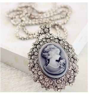 N317 Hot!! Fashion Retro Ornaments Floating Sculpture Carved Synthetic Diamond Avatar Beauty Queen(China (Mainland))