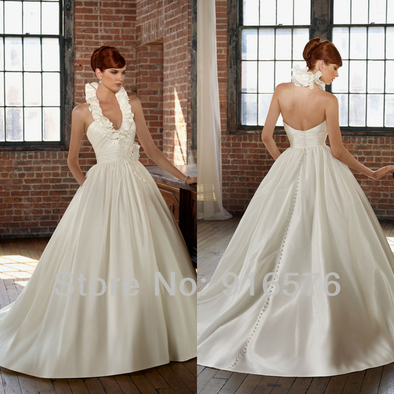 Easy dress patterns discount wedding gowns halter style for Cheap simple plus size wedding dresses