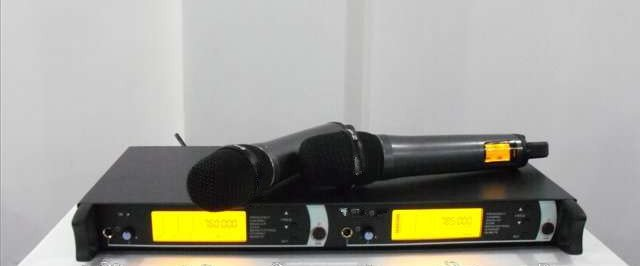 New product!! Free shipping EM2500 & SKM2000 Professional Audio Wireless Microphone System(China (Mainland))