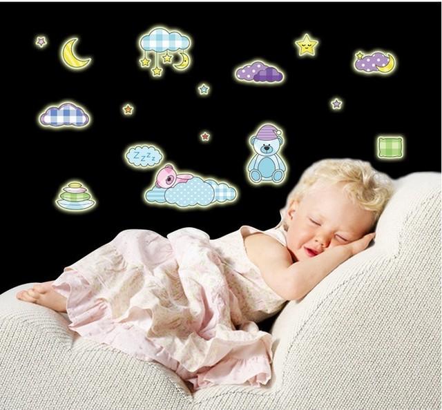 Флуоресцентный световой настенные наклейки светиться звезды украшения дома экологичный пвх мультфильм на стены для детей номеров