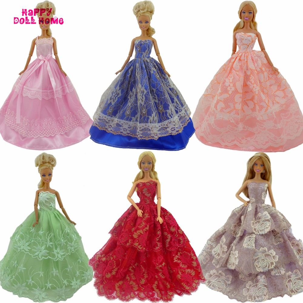 RANDOM 15 Gadgets = 5 Wedding ceremony Gown Princess Robe + 5 Pairs Footwear + 5 Pink Hangers Garments For Barbie Doll Gown Equipment Present