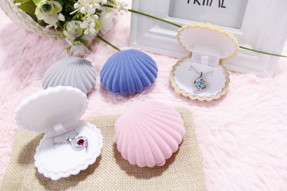 Free shipping 10pcs/lot Shell jewelry carrying cases earring ring necklace packaging boxes 6.5*5.5*3cm Multi color PM(China (Mainland))