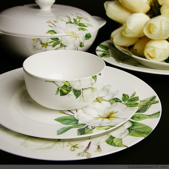 porcelain bone china dinner sets with flower design indinnerware sets