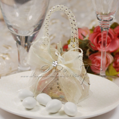 Free Shipping 100pcs Cute Wedding Favor Pouch Wedding Candy Box Lembrancinhas Casamento Wedding Favors And Gifts Almond Wedding(China (Mainland))