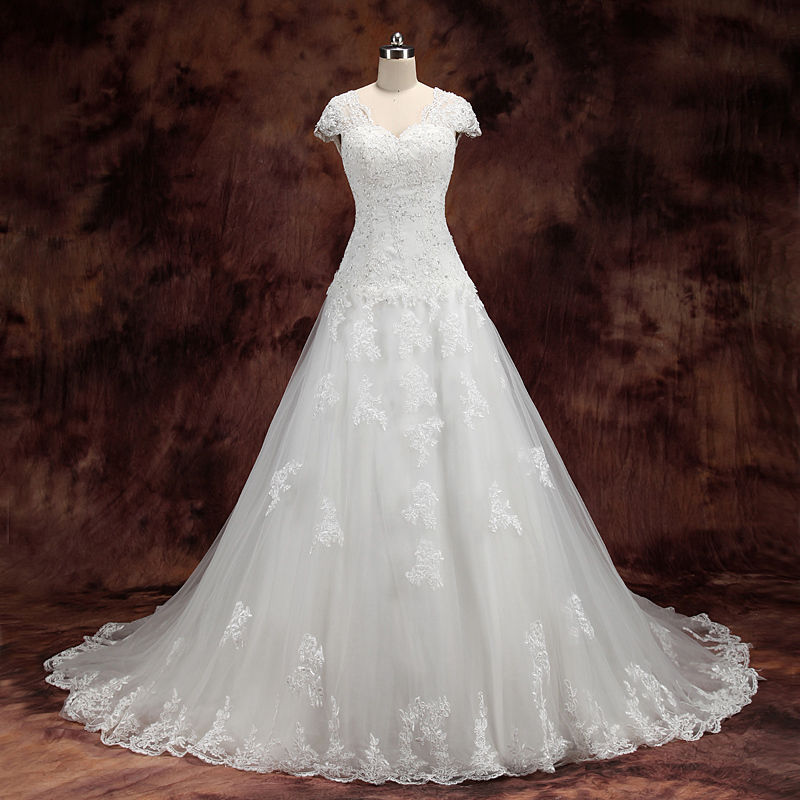 eautiful Short Sleeve White Lace Applique Bridal Gowns Popular Tulle Court Train Wedding Dress robe de mariage(China (Mainland))