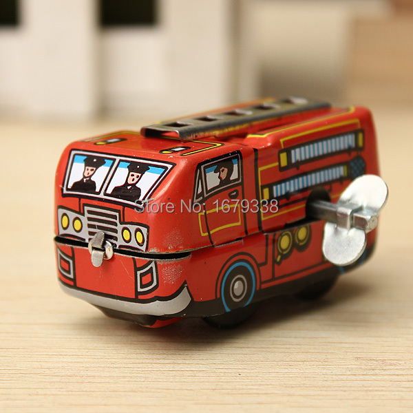 NEW Arrival Vintage Classic Firefighter Fire Engine Truck Clockwork Wind Up Tin Educational Toys Perfect Gift for Children(China (Mainland))