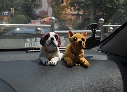 New Cute Bobblehead Dog Doll Car Nodding Dog Shakes His Head Shaking Dog For Car(China (Mainland))