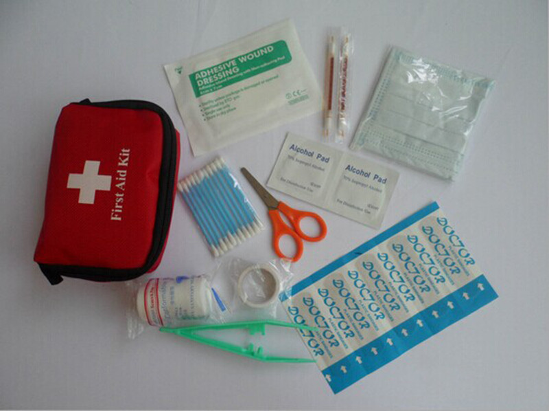 Emergency Medical Bag First Aid Kit Pack Travel Outdoor Treatment Emergent Pouch Portable Small Bag(China (Mainland))