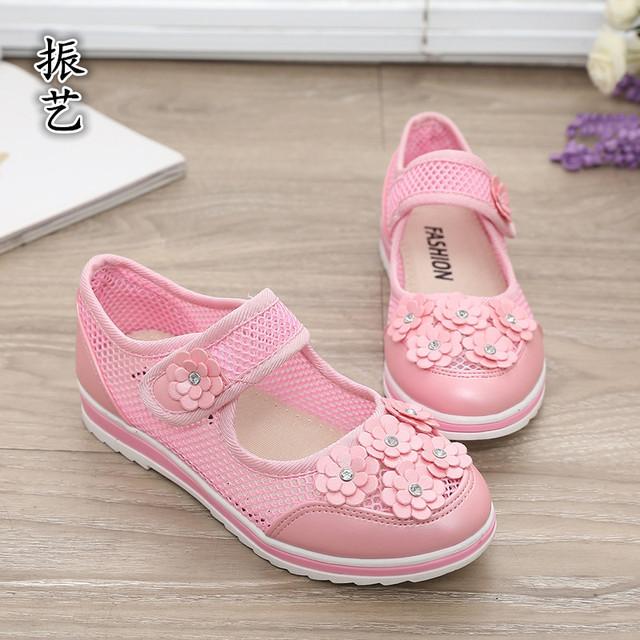 T2016 летние новых детская обувь для девочек небольшой цветочные кружева принцесса обувь мода детские сандалии студентов кроссовки
