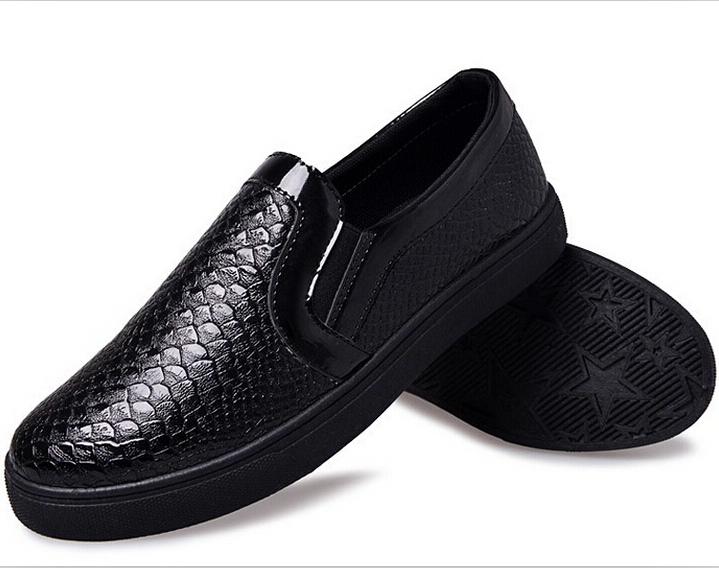 New fall snakeskin pattern Carrefour shoes breathable casual shoes low tide British men loafers shoe covers foot shoes(China (Mainland))