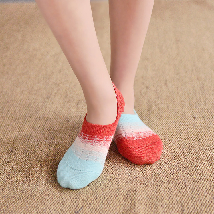 The new spring and summer on the gradient color cotton socks and socks to spread the men and women contact factory wholesale(China (Mainland))