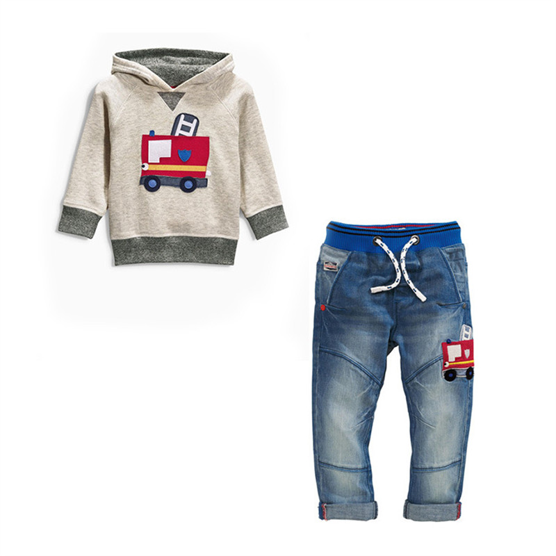 2016 Spring Autumn Fashion Children's Clothing Cartoon Truck Long-sleeved Hooded Sweater + Jeans Kid Boy Casual Sets(China (Mainland))
