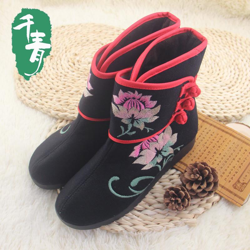 women winter cotton-made flat boots vintage velvet anti-slip Chinese old Beijing traditional embroidered women clothing shoes(China (Mainland))