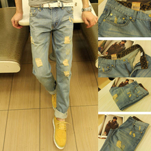 2016 New fashion men s Classic holes Straight jeans Teen popular college style wild jeans Denim