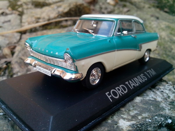 Epoc Green HAC Alloy Car Model Ford Taunus 17M 1957 Toy Car Collection Best Decoration(China (Mainland))