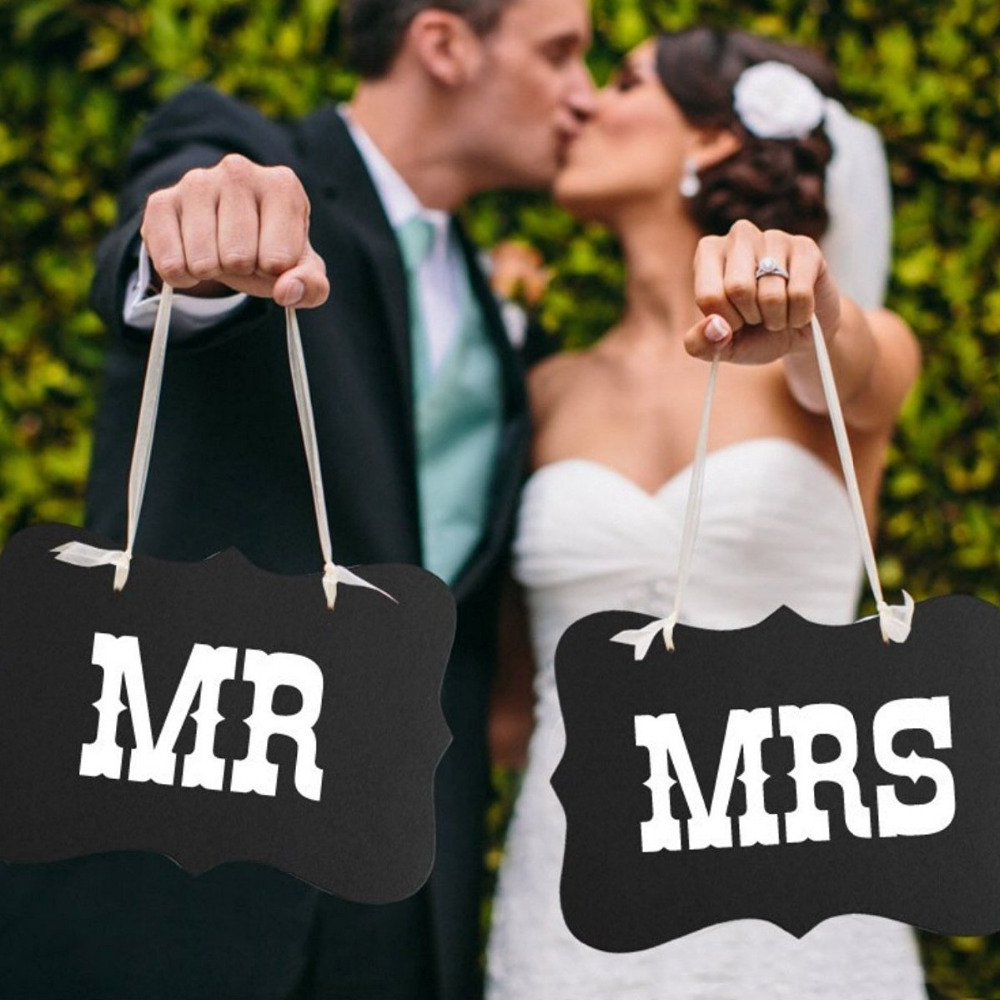 Mr and Mrs Photo Props Chair Decoratives Signs Banner Garland Bridal Wedding Party Decor 2 Colors(China (Mainland))