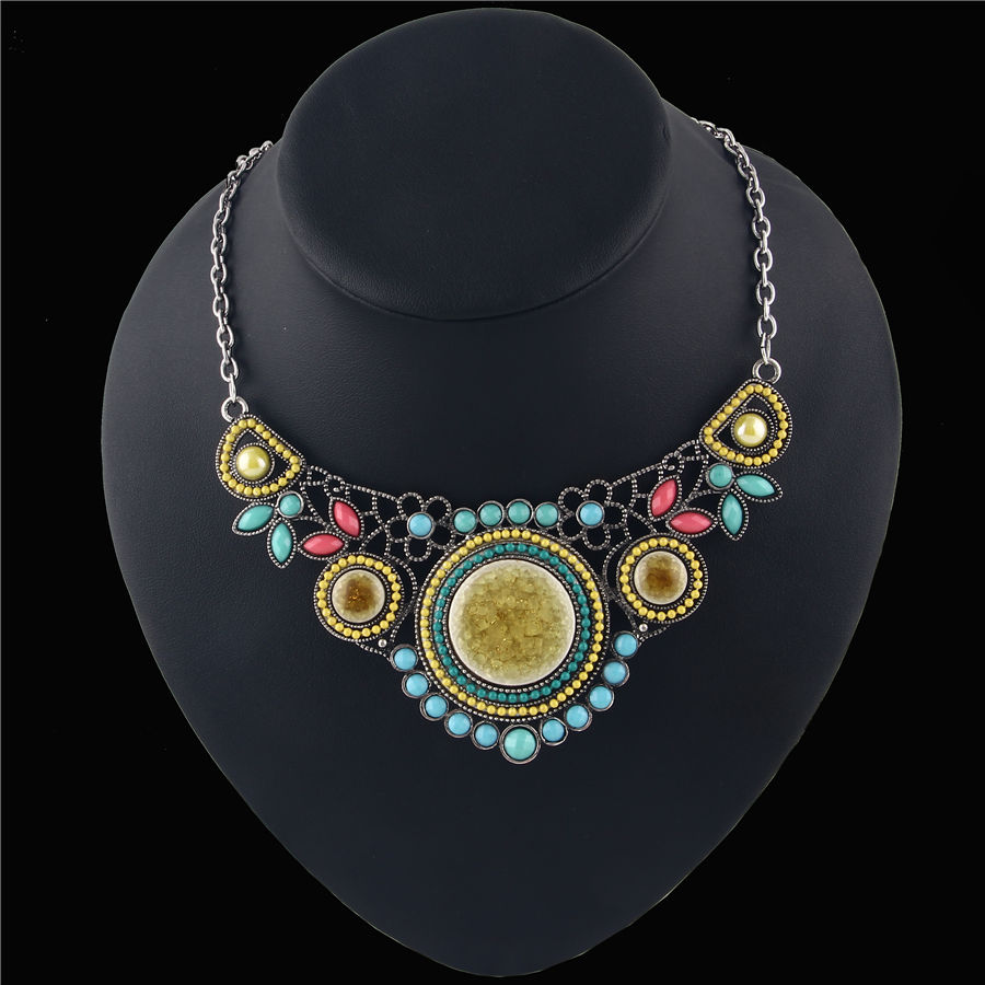 Bohemian Style Colorful Resin Beaded Pendants Necklaces For Women Brand European Statement Necklace Female Jewelry ON017(China (Mainland))