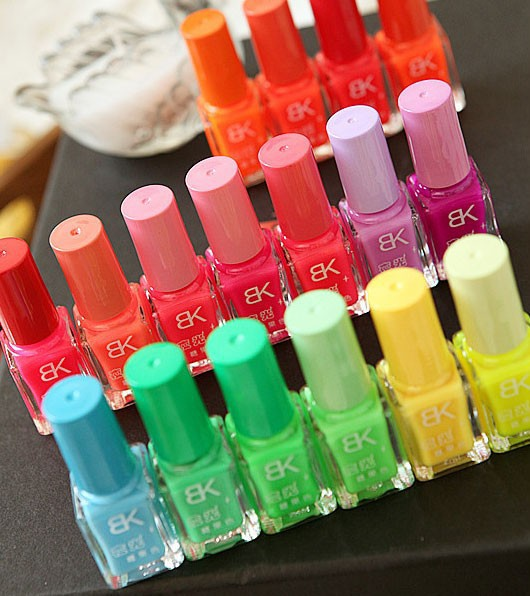 New Arrival Fluorescence Candy Color Quick Dry Nail Polish 18 Colors Luminous Nail polish Nail Beauty Tool Free Shpping(China (Mainland))