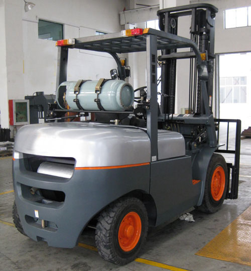 Famous brand LPG & Gasoline Powered Forklift Truck from China CPQYD30FR 3000kg(China (Mainland))