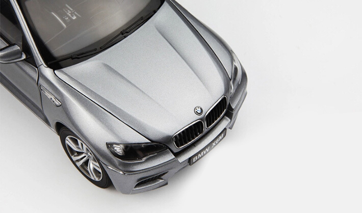 KYOSHO 1:18 of the German high performance motion type SUV X6M/X6 alloy model cars of class car model(China (Mainland))