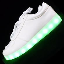 Led shoes for adults casual Lovers casual shoes led luminous shoes men plus size light up couple shoes zapatos mujer fast ship(China (Mainland))