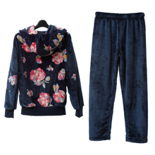Song Riel stylish and comfortable winter thick flannel pajamas Ms tracksuit can Waichuan Suit Fan Tesi