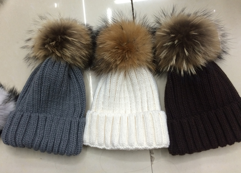 2015 new arrivals 18cm 100% real fur adult pom pom hats for women winter or autumn knitted hat big fur skullies beanies(China (Mainland))