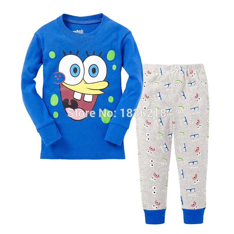 Various fabrics of boys'pajama bottoms. When shopping for pajamas, the type of fabric you choose will have the biggest impact on overall comfort and wear.