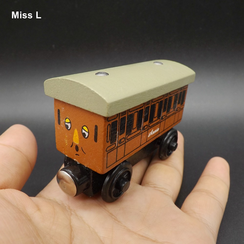 Wooden Trains Model Toy Magnetic Passenger Car Kids Christmas Toys Gifts For Children(China (Mainland))