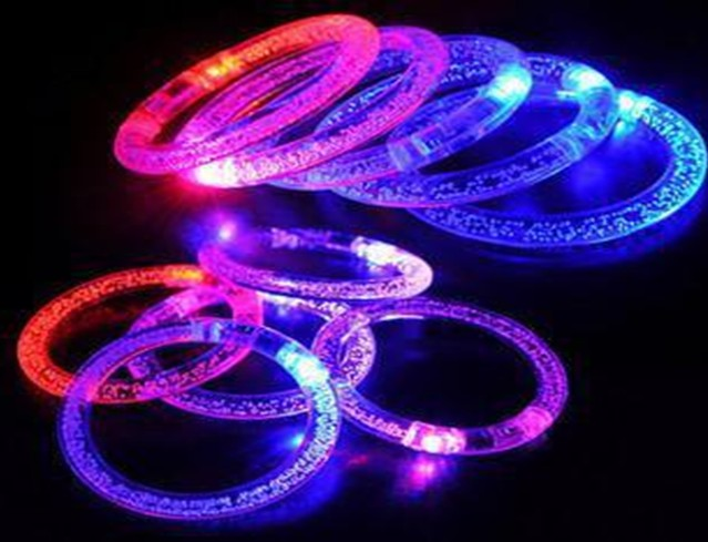 Lumineux Decorations Armbands Night Reflective Wristband LED Bracelet Glow in the Dark Party Supplies Events Favors 100pcs/lot(China (Mainland))