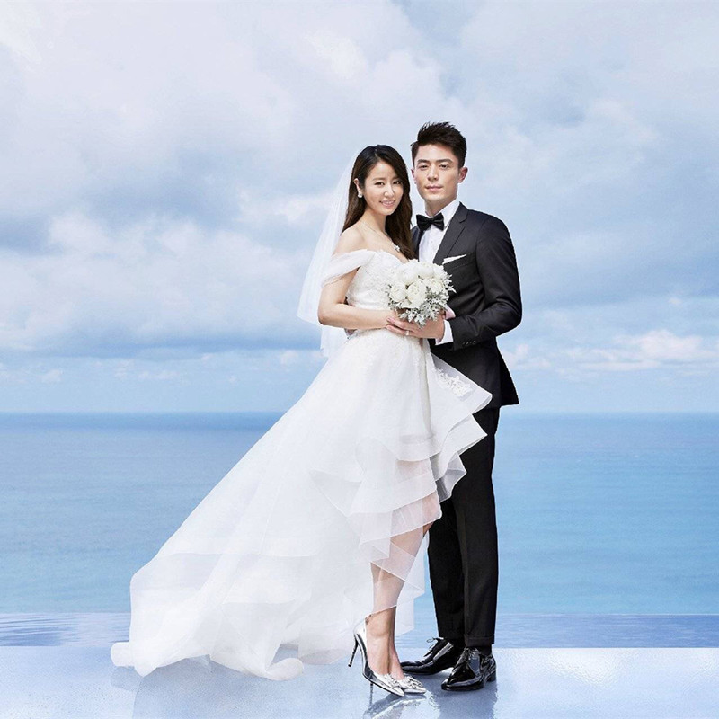 2016 New Sweetheart Celebrity Wedding Dresses High-End Lace Beading Bridal Gowns Front Short Back Long White Wedding Dresses(China (Mainland))