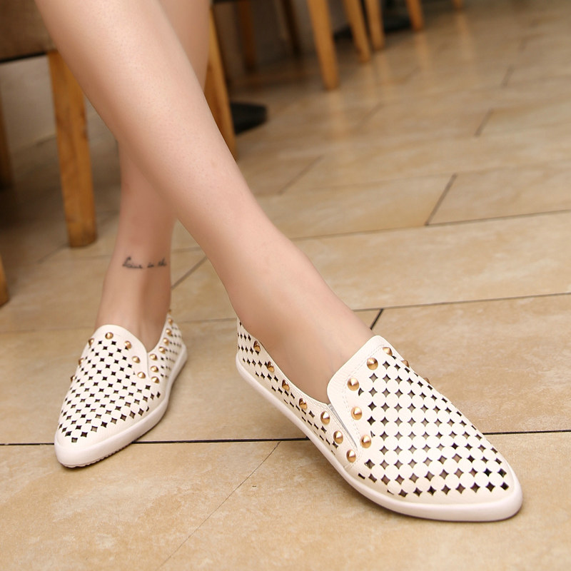 Summer Womens Loafers Shoes Woman Flats Fashion Rivets Ladies Flat Shoes Breathable Women Sapatos White Silver Size 35 to 39(China (Mainland))