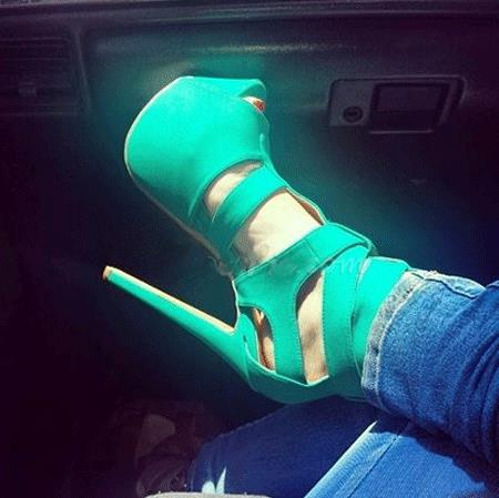 Фотография Shoesofdream Delightful Cut-Outs Cloth Dress Sandals