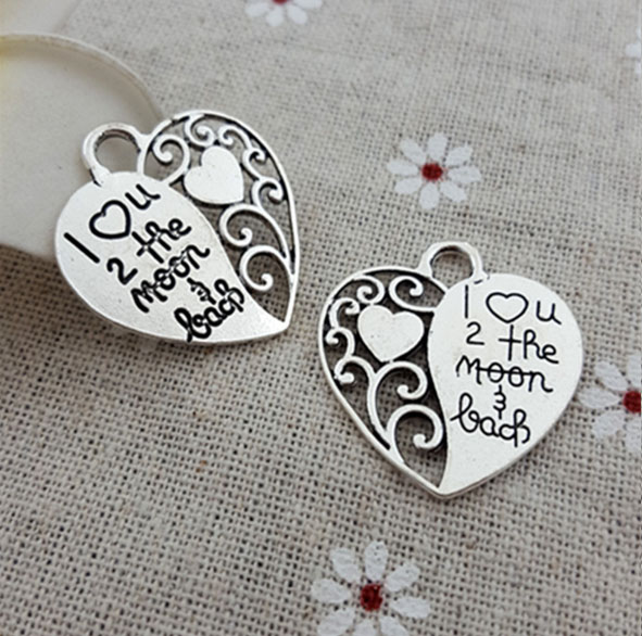 """20pcs/lot 26*28mm Antique Silver plated Pewter Jewelry charm Heart with words """"I love you to the moon & back """"(China (Mainland))"""