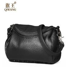 Qiwang Небольшой Дамской одежды Рок Мешок Люксовый Бренд с Черный Заклепки Сумки Женщины 100% Натуральная Кожа Crossbody сумка(China (Mainland))