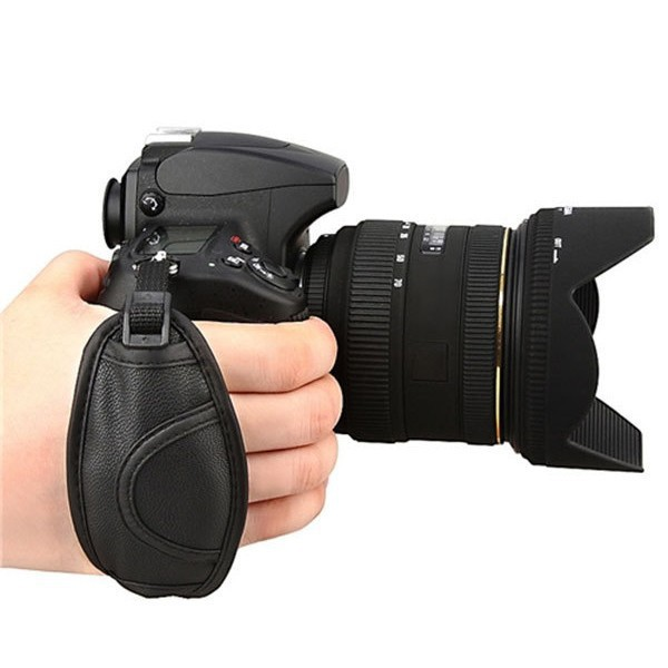 2014 New Arrival Camera Grip Strap for Ni D5100 D3100 D7000 D3200 D800 D90 D5000 D7100 D3000 Free shipping& Wholesale(China (Mainland))