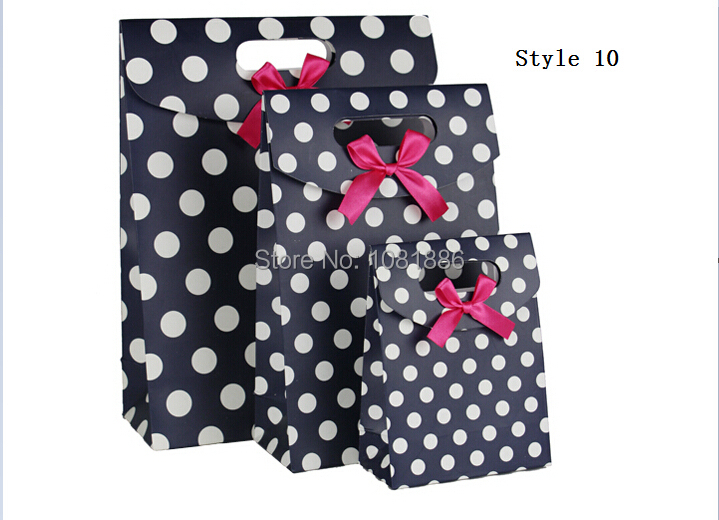 Free shipping ! cheap paper gift bags For Holidays Size 12.3*6*16.4cm(China (Mainland))