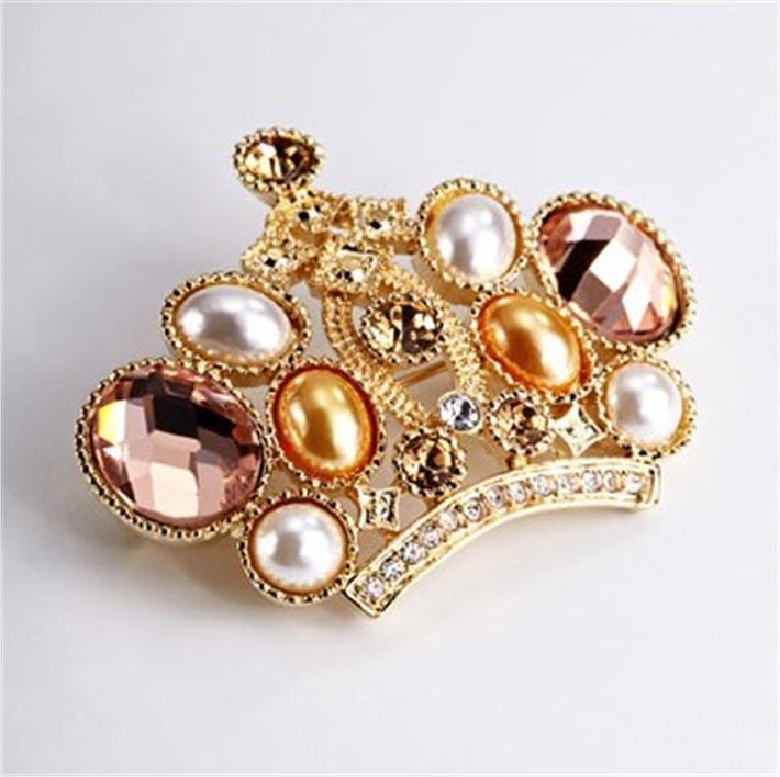 Здесь можно купить  New Arrival  Sterling Jewelry Hot Fashion 18K Gold Plate With Rhinestone Artificial Diamond Stone Luxury Style Crown Lady Brooch  Ювелирные изделия и часы