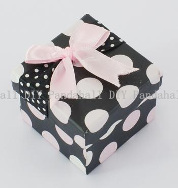 Valentines Day Cardboard Jewelry Gift Boxes, Ring Packing Boxes, Polka Dots Pattern, Square, Black, Size: about 5cm wide, 5cm(China (Mainland))