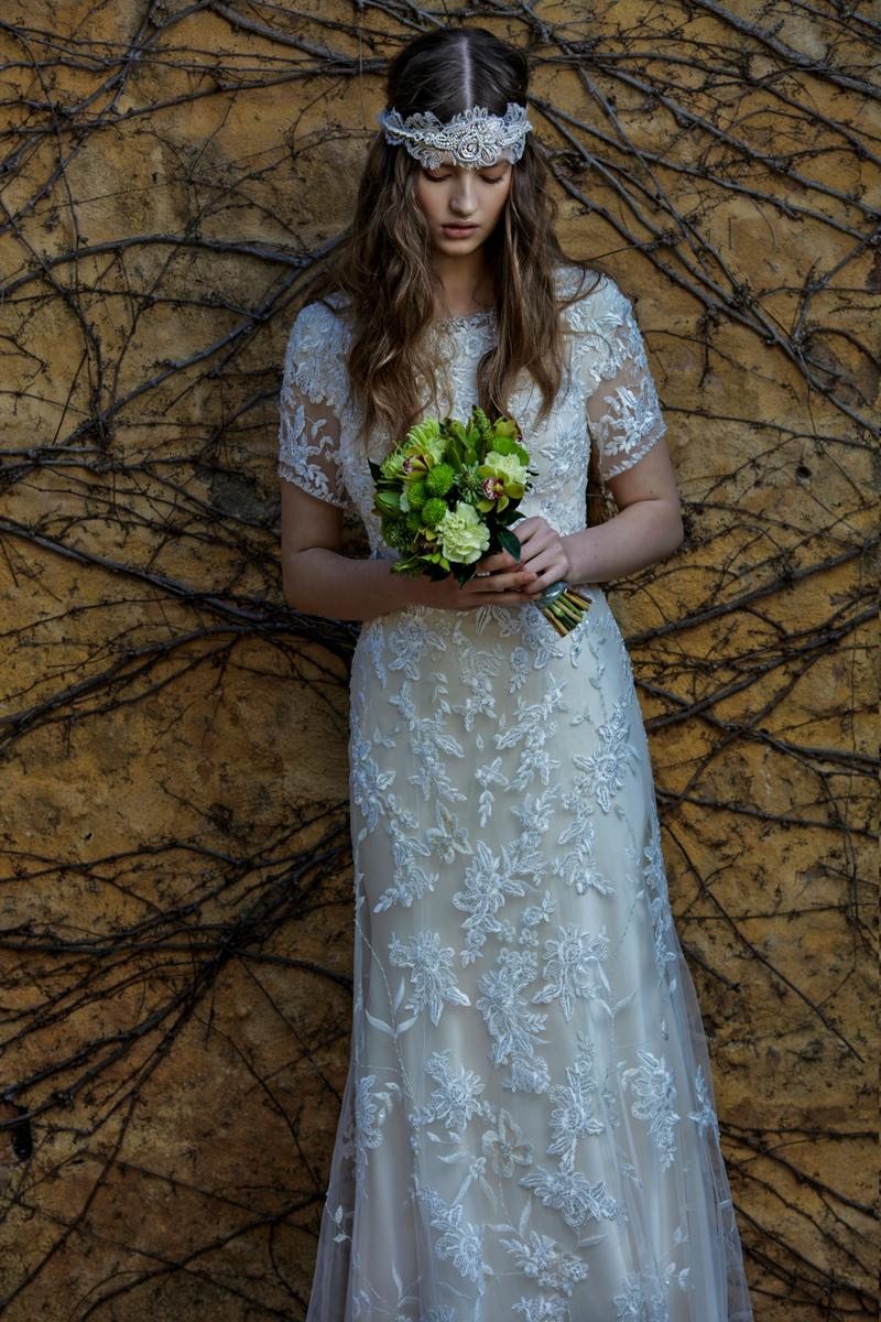 Cecelle 2016 Long Mermaid Modest Vintage Lace Boho Wedding Dresses Short Sleeves Button Jewel Neck Bridal Gowns robe de mariage(China (Mainland))