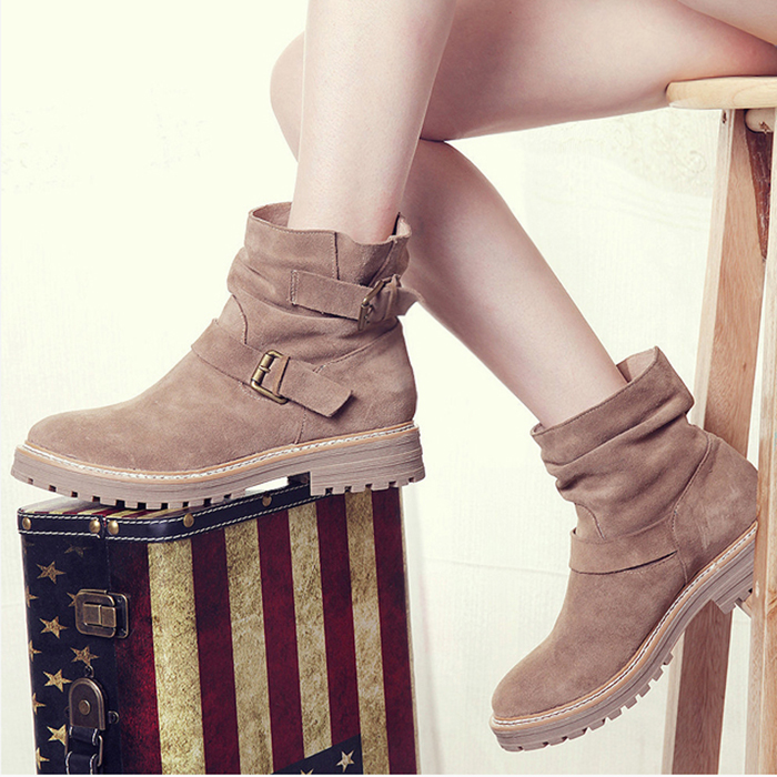 Фотография Newest fashion woman winter boots brown black suede ankle boots flat short boots cool both buckles design warm snow boot