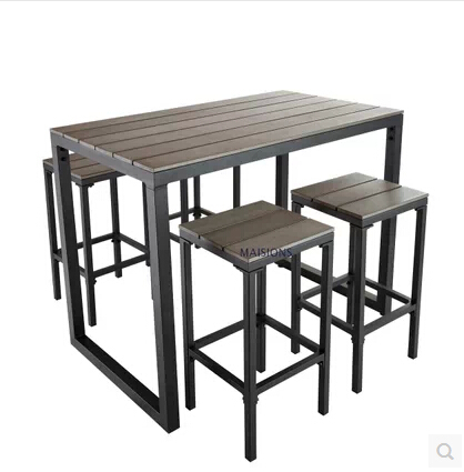 Table de bar fer forge et bois for Table en fer exterieur