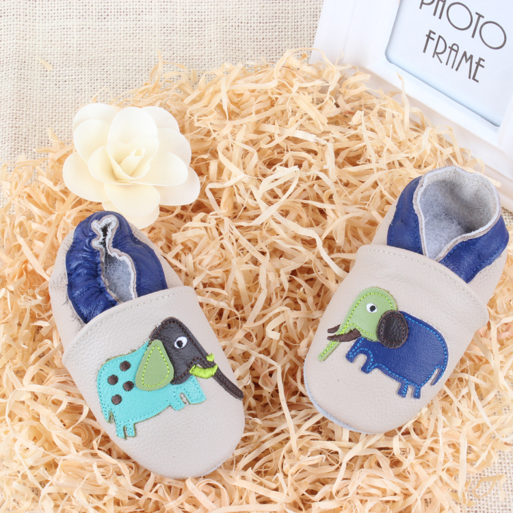 2015 minion moccasins baby shoe pictures dress shoe Baby Moccasins solid baby crib shoes Newborn Baby firstwalker shoe ROC1018-1(China (Mainland))