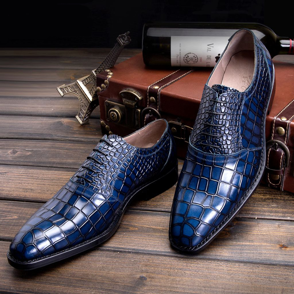 Croc Stock and Barra use only the highest grade Australian saltwater crocodile leather for their products. With us, you are paying for the product, not the name and you are getting a luxury product with the finest grade of leather created by master craftsmen here in Australia for a great price.