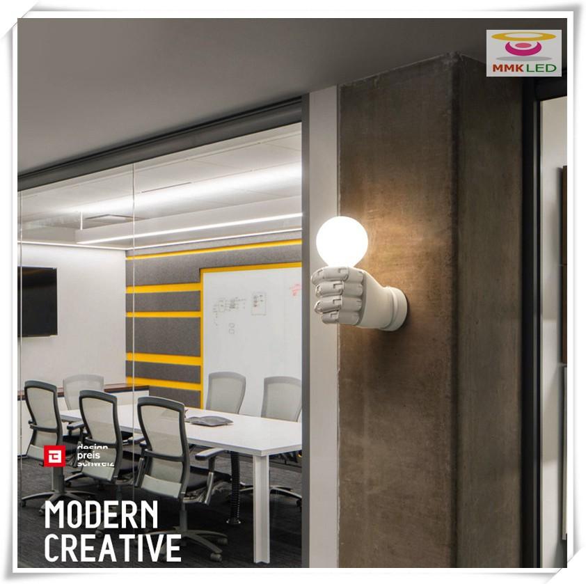 Купить Новый кулак рука проход бра прикроватные лампы творческий современные смолы свет, E27 AC110-240V